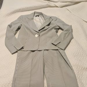 Let Suit searsucker suit